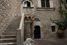 taormina-palazzo-corvaia.jpg